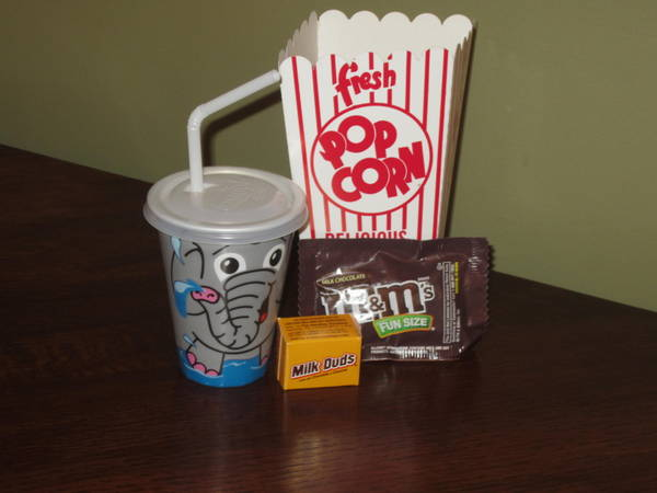 moviestvpop culture capital district fun movie snacking with hefty slider bags 600x450